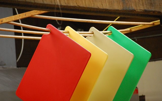 Как почистить разделочные доски просто и быстро