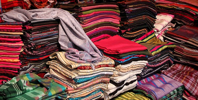 обновить комнату без ремонта новый текстиль