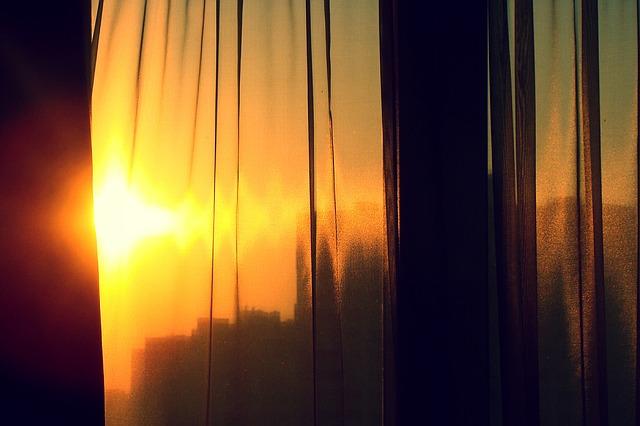шторы ярких оттенков