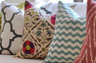5 способов почистить диванные подушки из различных материалов