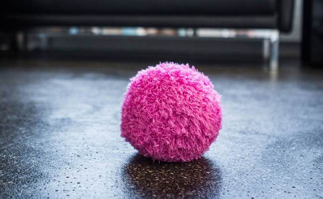 Автоматический чистящий шар был придуман, как заместитель домашнего пылесоса