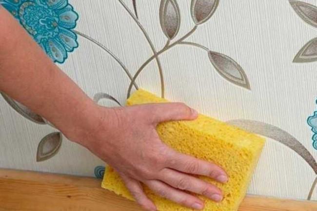 Средство подходит для мытья стен и моющихся обоев
