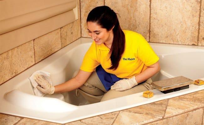 Средства для чистки акриловых ванн