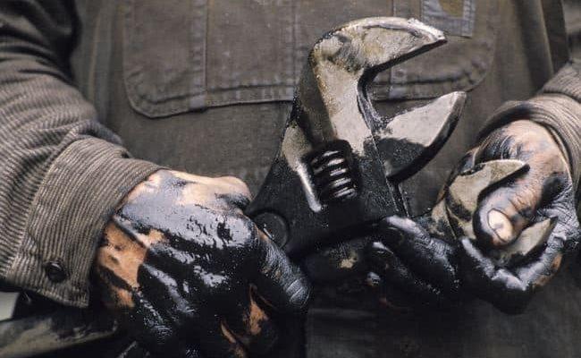 Как отстирать пятна от солярки с одежды