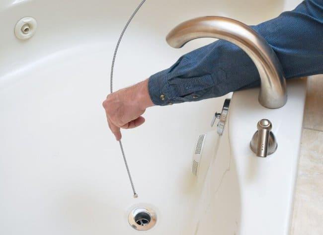 Как как прочистить засор в ванной, чтобы вода хорошо уходила
