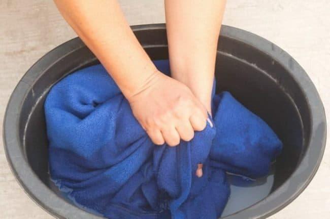 Стирка пальто в домашних условиях: средства, режимы, выведение пятен