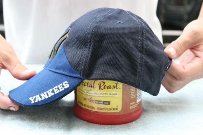 Как легко постирать кепку, не навредив качеству и форме