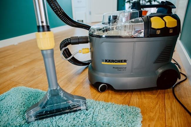Какой пылесос лучше: моющий или обычный